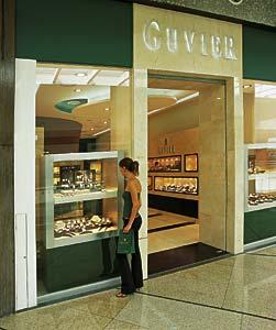 Guvier inaugura tienda en el centro comercial Parque Lindavista