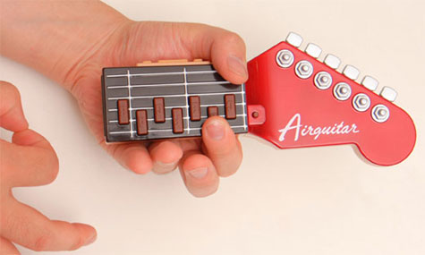 Guitarra imaginaria, pero ruidosa