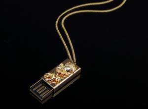 USB con chapa de oro 1
