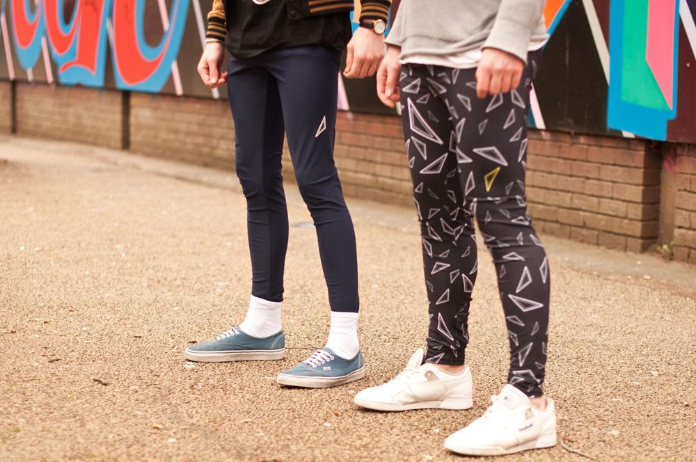 """Los """"meggins"""" la nueva tendencia en moda para hombres"""